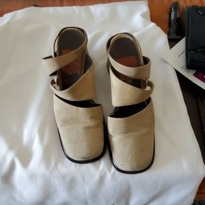GOFFREDO FaNTINI Cream Wedge Heel Shoes